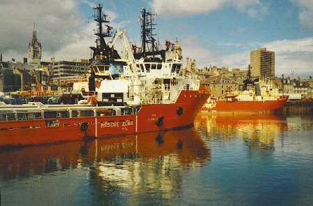 Oil boats in Aberdeen harbour. Photo: Colin Smith/ geograph