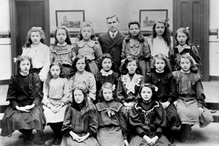 Maclean with school class