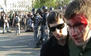 Alexei Gaskarov (right) on the 6 May demonstration. Photo: Grani.ru.